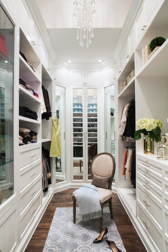 FFOD_Lisa-Adams_London-Loft-Master-Closet.jpg.rend.hgtvcom.1280.1920