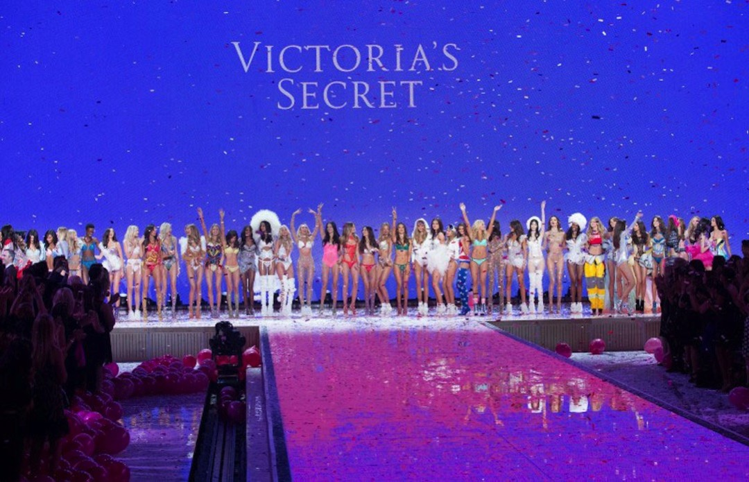 Vivtoria's_Secret_Fashion_Show_2015