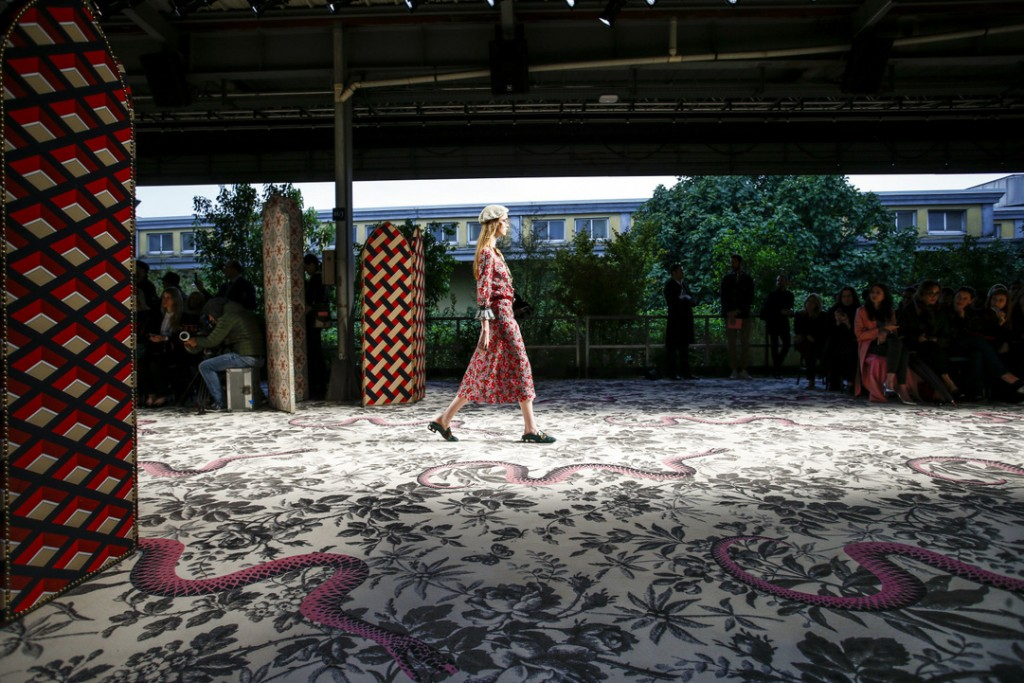 Gucci_SS16_Runway_Atmosphere