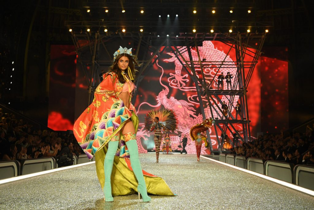 PARIS, FRANCE - NOVEMBER 30: Taylor Hill walks the runway during the 2016 Victoria's Secret Fashion Show on November 30, 2016 in Paris, France. (Photo by Dimitrios Kambouris/Getty Images for Victoria's Secret)